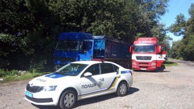 Photo of Дві фури з львівським сміттям впіймали біля Житомира