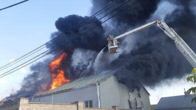 Photo of Під час пожежі на складах у Рясному була загроза вибуху газу, – ДСНС