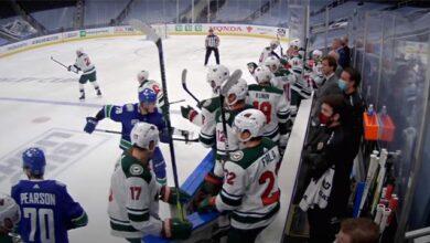 Photo of В НХЛ хокеїст Ванкувера вдарив ключкою суперника на лаві запасних