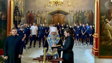 Photo of Футболісти Десни відвідали молебень у Лаврі перед початком сезону