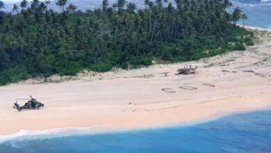 Photo of Напис SOS на піску врятував людей, застряглих на острові в океані