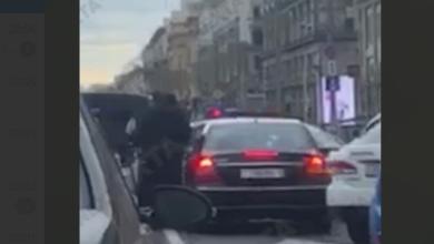Photo of Міліція у Мінську розбиває вікна у випадкових автомобілістів