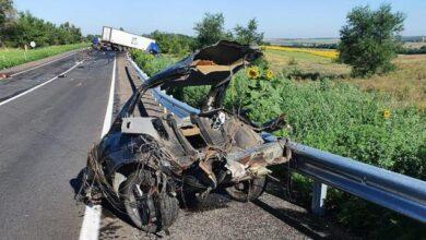 Photo of Під Запоріжжям фура розірвала BMW на частини, чотири людини загинули