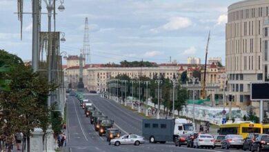 Photo of У центр Мінська до протестувальників їдуть колони військової техніки