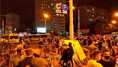 Photo of Протести в Білорусі: у Мінську і Жодіно почали відпускати затриманих