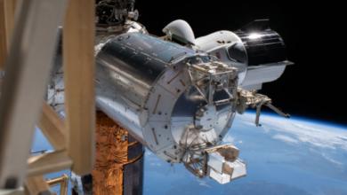 Photo of Crew Dragon з двома астронавтами повертається на Землю (ТРАНСЛЯЦІЯ)