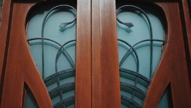 Photo of ПоблизуВинниківськогоринкувідреставрувалиісторичні двері