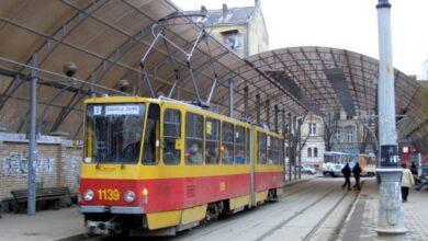 Photo of У вихідні трамваї №1 та 2 курсуватимуть за зміненими маршрутами