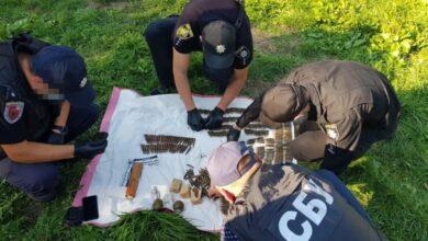 Photo of В будинку жителя Пустомитівщини знайшли схованку із 800 патронами та гранатами