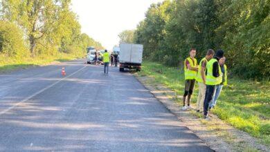 Photo of На Самбірщині вантажівка наїхала на дорожників: є загиблий