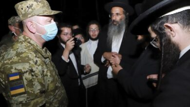 Photo of Чому хасиди застрягли на кордоні і як це вплине на відносини України та Ізраїлю