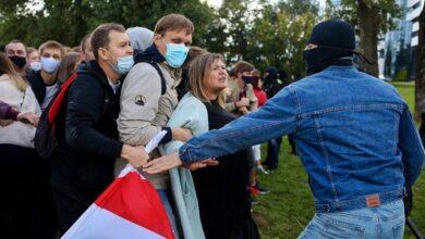 Photo of У Мінську мітингувальники йдуть до резиденції Лукашенка, почалися перші затримання