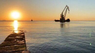 Photo of В Одесі підняли затонулий танкер Delfi