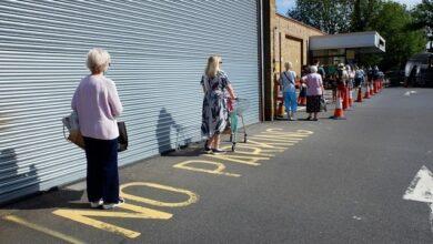 Photo of Зібрання понад 6 осіб заборонені: Англія запроваджує жорсткий карантин