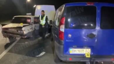 Photo of Викинуло на зустрічку: на шосе під Києвом сталася масштабна ДТП