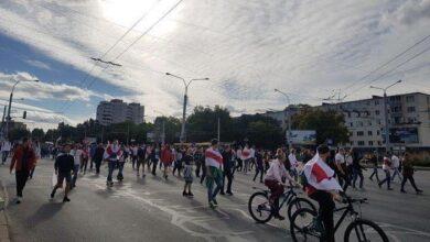 Photo of У Мінську протестувальники почали будувати барикади