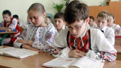 Photo of Близько 200 тисяч учнів перейдуть на українську мову навчання, – мовний омбудсмен