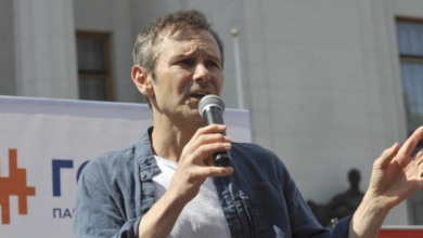 Photo of Через зарплату Вакарчука: між Голосом і Слугою народу в Раді виникла суперечка