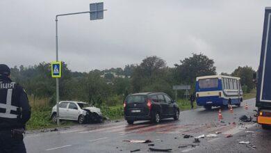 Photo of У Золочівському районі Skoda зіткнулась із вантажівкою