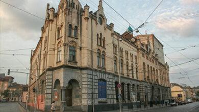 Photo of Театр Лесі Українки запрошує львів'ян на вистави: репертуар на жовтень