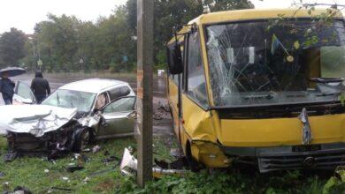 Photo of Біля Львова зіткнулися легковик та маршрутка: є постраждалі