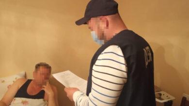 Photo of Посадовця Галицької митниці затримали на системному хабарництві