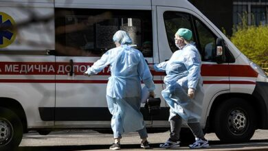Photo of Медикам, які працюють з хворими на Covid-19, збільшать виплати