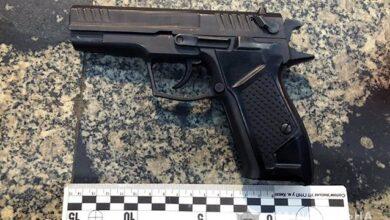 Photo of У Києві чоловік вистрілив у живіт перехожому та побив його