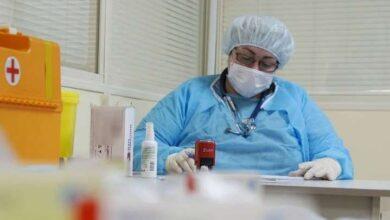 Photo of Після повторного зараження COVID-19 померла перша у світі людина