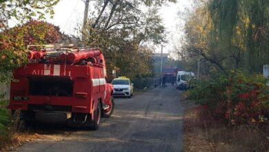 Photo of Пожежа під Харковом: горить сухостій, вогонь пошкодив житлові приміщення
