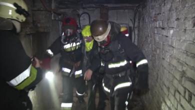 Photo of Через пожежу у підвалі будинку на Петлюри рятувальники евакуювали 25 людей