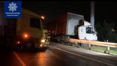 Photo of На об'їзній Львова водій вантажівки задрімав та потрапив у ДТП