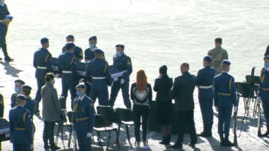 Photo of У Харкові проходить церемонія прощання із загиблими авіакатастрофі під Чугуєвом. НАЖИВО