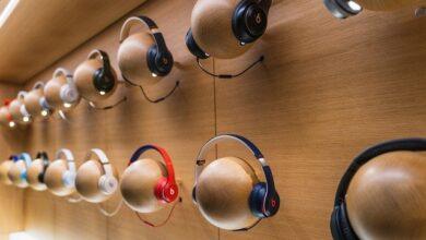 Photo of Apple зупиняє продаж навушників і колонок своїх конкурентів
