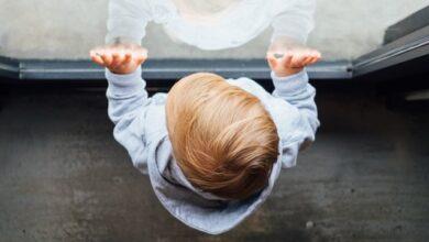 Photo of Загинув у день народження: у Миколаєві 3-річний хлопчик випав з вікна