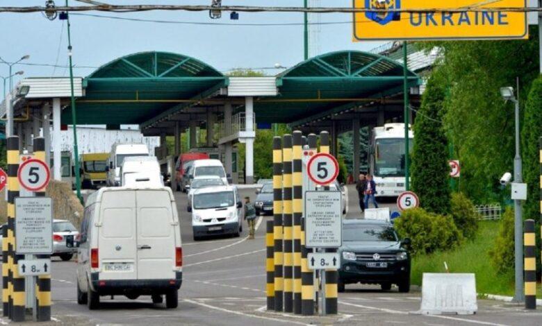 На кордоні з Польщею зупинилися 180 авто – LvivNEWS